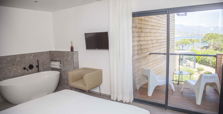 chambre-double-vue-mer-portovecchio